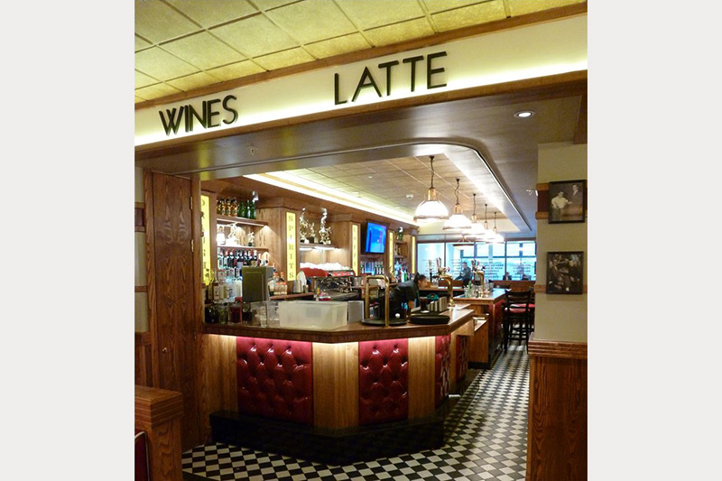 Frankie & Benny's bar interior design